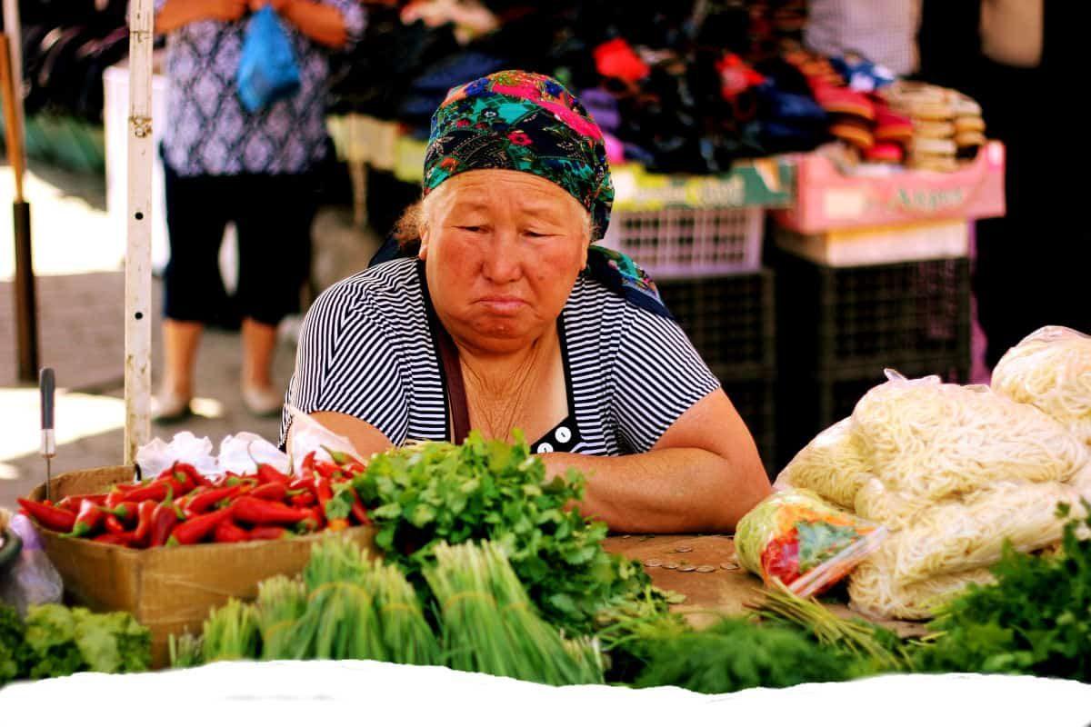 WomaninMarket